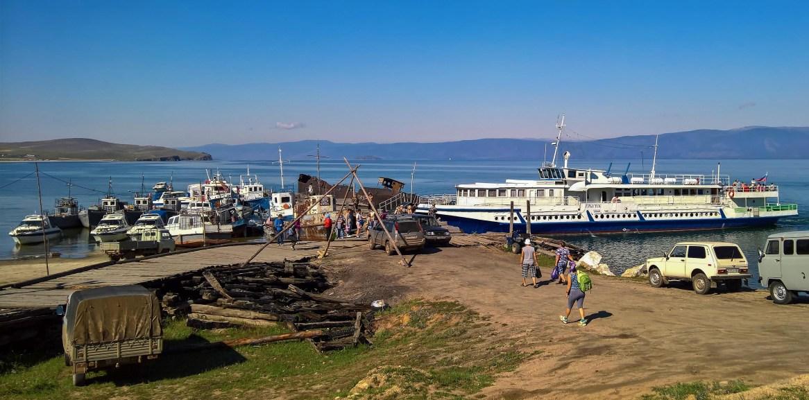 Hafen von Khuzhir auf Olchon