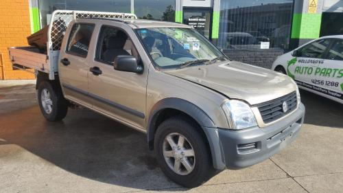 small resolution of 2005 holden rodeo dual cab tray back ute 3 5l v6 petrol 5 speed manual gold