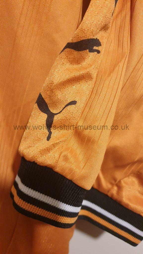 1998-2000 home shirt by Puma, sleeves and cuffs