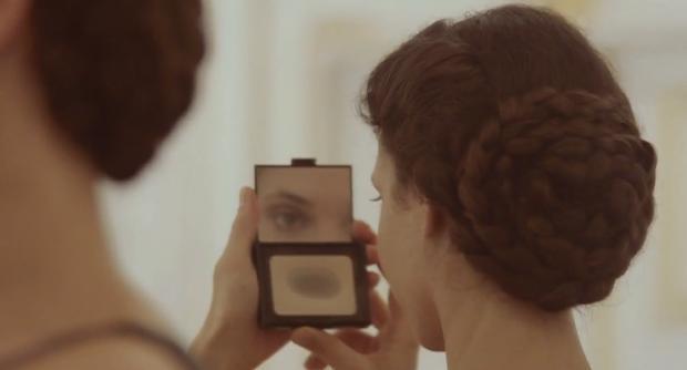 Hair Tutorial à La Kaiserin Sisi • WOMAN AT