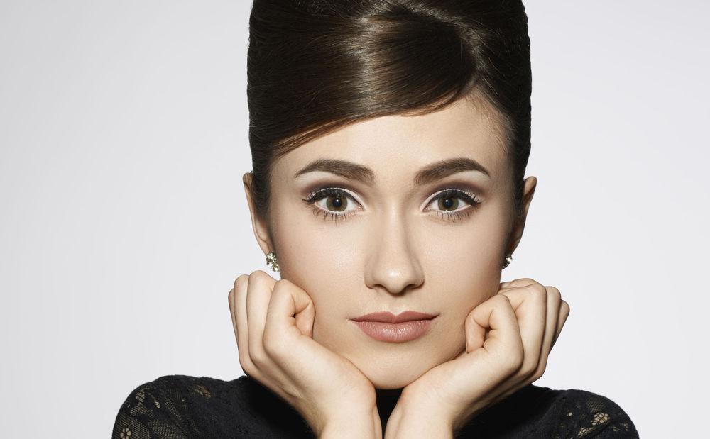 Ballfrisur Anleitung Audrey Hepburn • WOMAN AT