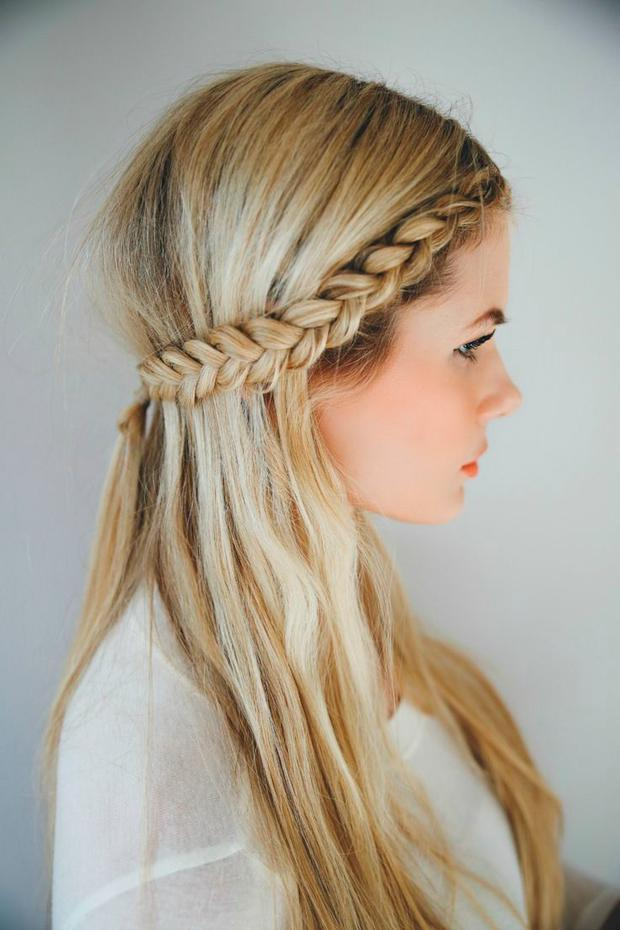 Sommerfrisur Crown Braids • WOMAN AT