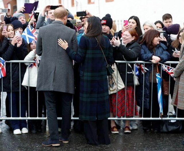 Стилисты критикуют модные промахи Меган Маркл в Шотландии