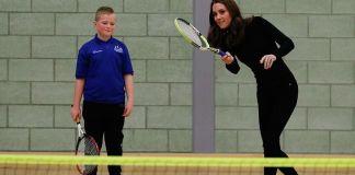 Кейт Миддлтон сыграла в теннис на каблуках