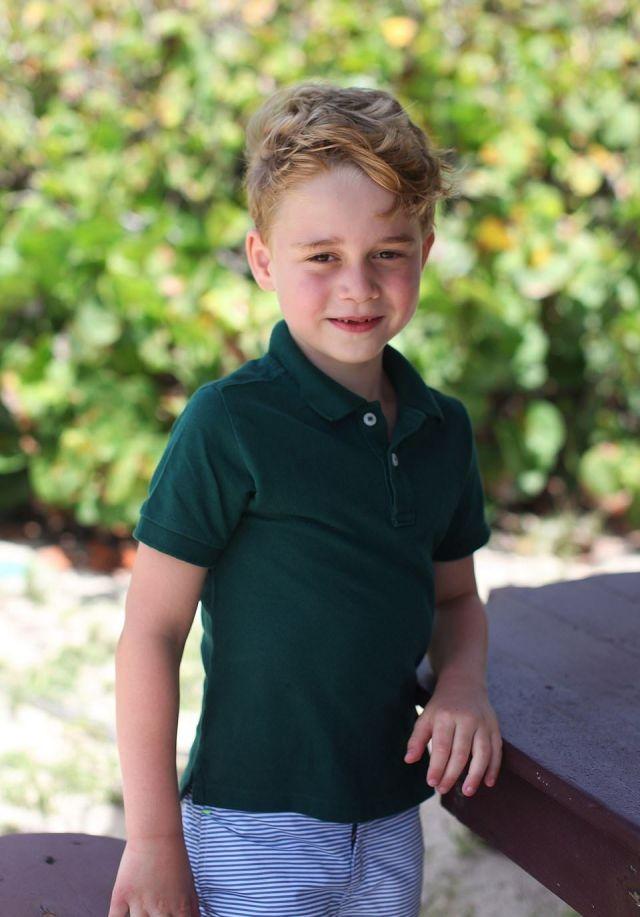 Королевская семья отметила день рождения принца Джорджа новыми фотографиями