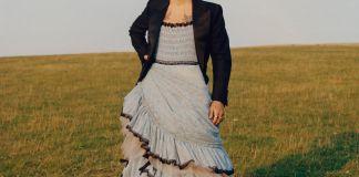 Гарри Стайлс в платье стал первым мужчиной на обложке журнала Vogue