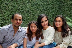 Intip Selebriti yang Mengantarkan Anaknya Sekolah