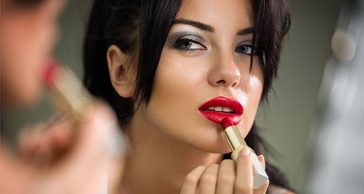 Mengenal Karakter Perempuan dari Warna Lipstik yang Dipakainya
