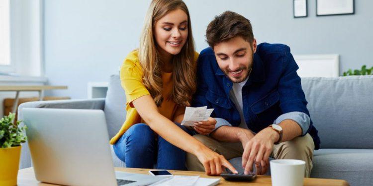 10 Langkah Mengatur Keuangan Bagi Pasangan Baru Menikah