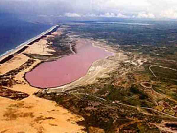 Pink-Lake-Senegal-252821-2529