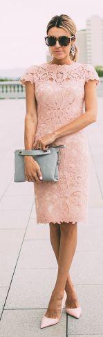 Τι να Φορέσεις σε ένα Γάμο την Άνοιξη 2016: Φόρεμα με Δαντέλα