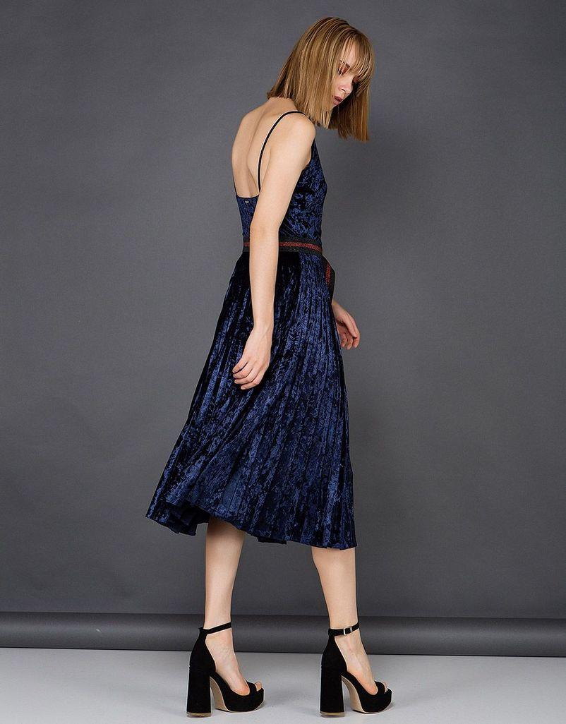 Τα ωραιότερα Βελούδινα Φορέματα της Αγοράς