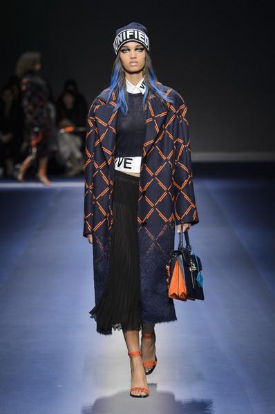 Best looks εβδομάδα μόδας στο Μιλάνο φθινόπωρο Χειμώνας 2017-2018
