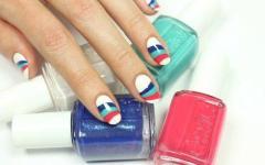 Wavy nails: Τα πιο κομψά κυματιστά σχέδια νυχιών