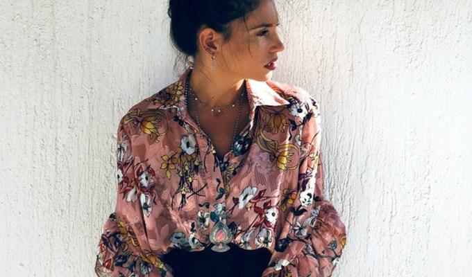 Οδηγός Αγοράς  10 floral tops για girly εμφανίσεις Αέρινες και  «λουλουδάτες» μπλούζες για κομψά looks. e28fbf6fcb6