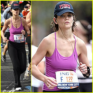 katie-holmes-running-nyc-marathon