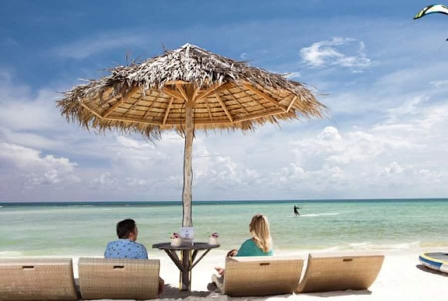beach_bar_sun_loungers