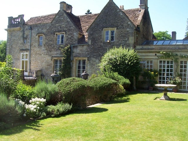 Back_of_Iford_Manor,_from_Peto_Garden_-_geograph.org.uk_-_1009631