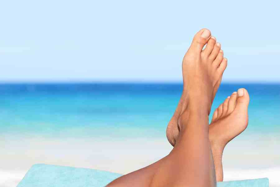 vacation-holidays-woman-feet