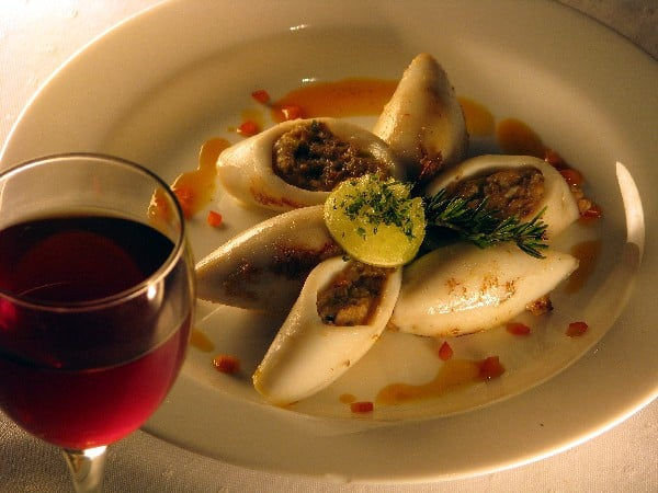 Red_Wine_&_Stuffed_Squid,_Calamari