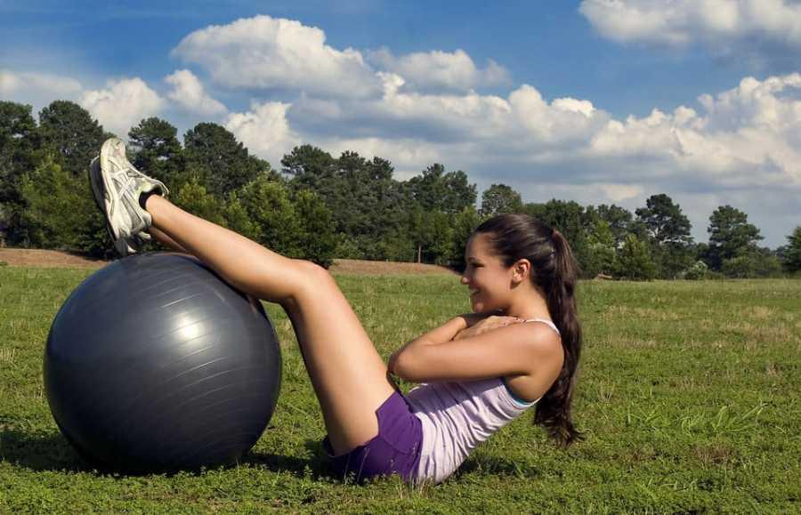 woman-exercising-fitness-fitspo