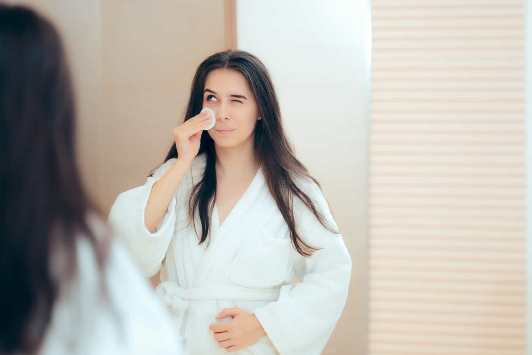 4 Makeup Removal Mistakes You Should Stop Doing and Do This Instead