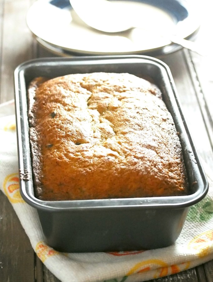 Look no further, this Chocolate Banana Bread recipe yields a tasty and rich quickbread that is packed with chocolatey goodness.