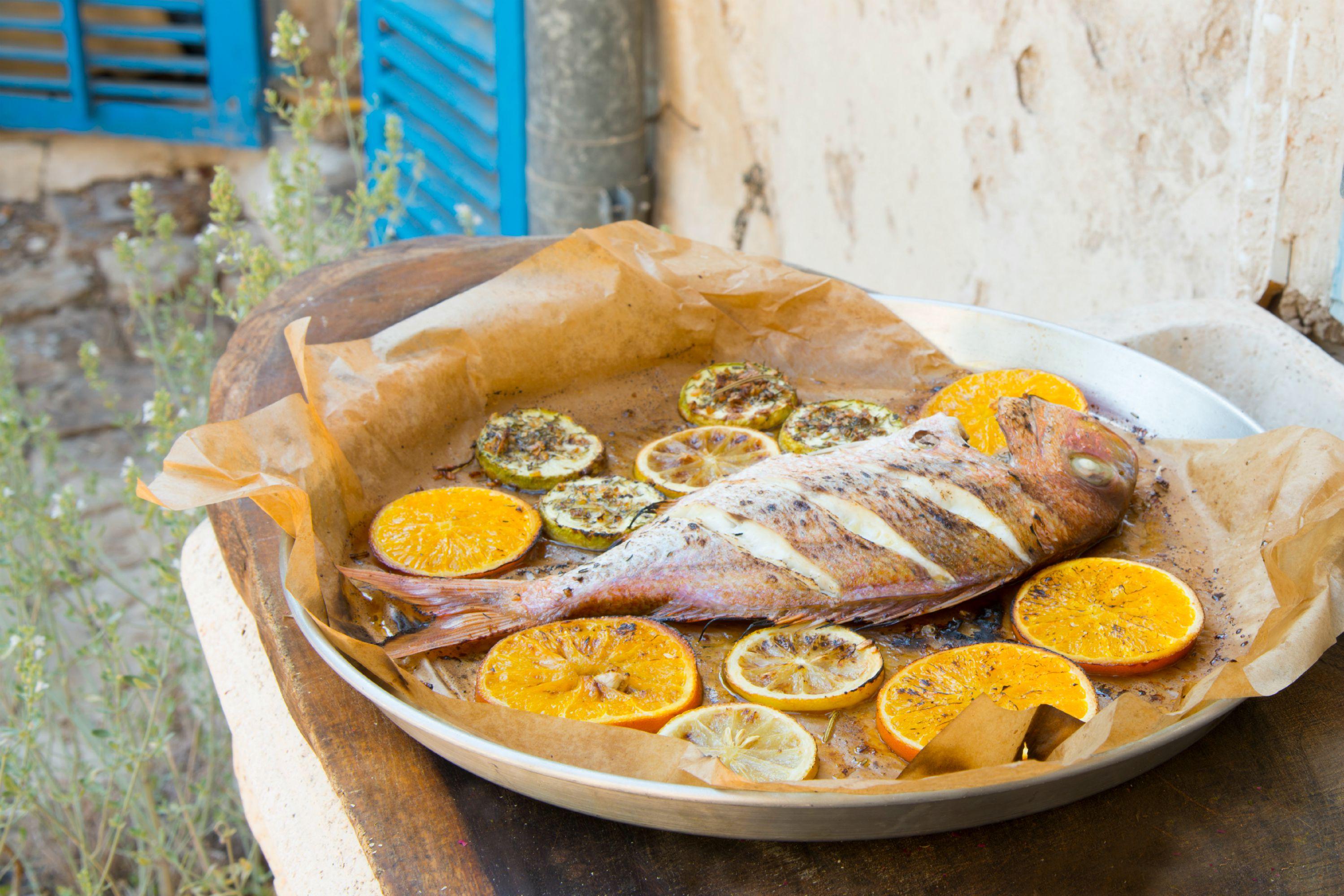 דג בתערובת אנטיפסטי והדרים