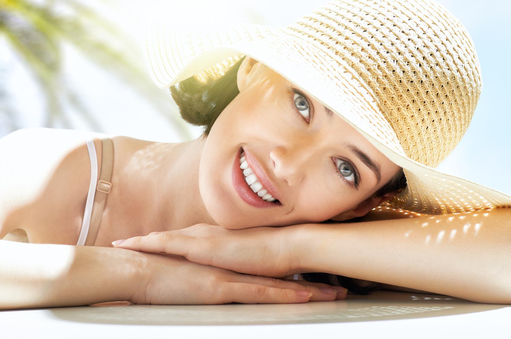 שמירה על עור הפנים בקיץ