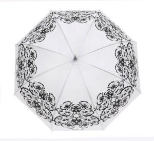 מטריה לבנה עם עיטורים שחורים של גולברי