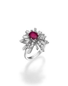 טבעת זהב ומשובצת יהלומים ואבן רובי - BLOOM