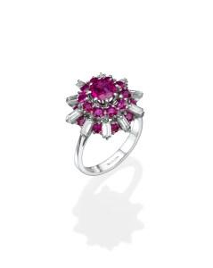 טבעת זהב לבן משובצת יהלומים ואבני רובי של תכשיטי BLOOM