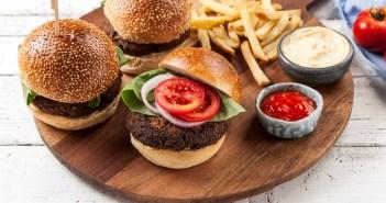 המבורגר שעועית אדומה ופטריות