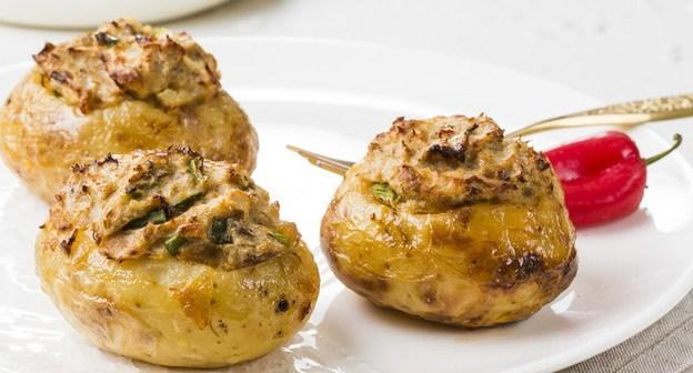 תפוחי אדמה ממולאים בטונה