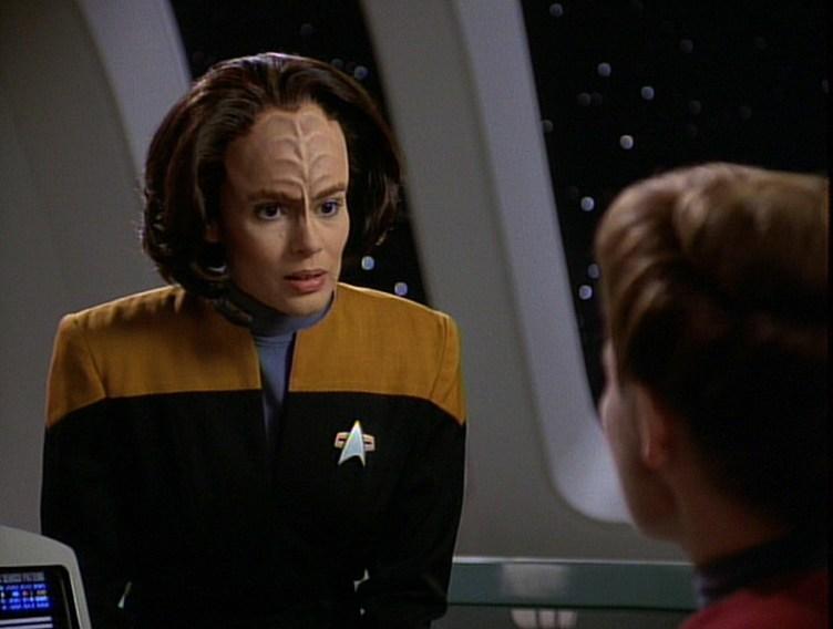Janeway talks to B'Elanna in Parallax