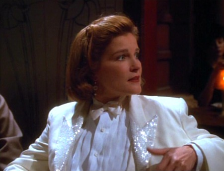 aneway's sequined suit (Season four, episode 18)