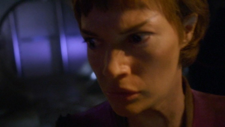 "T'Pol in ""Damage"""