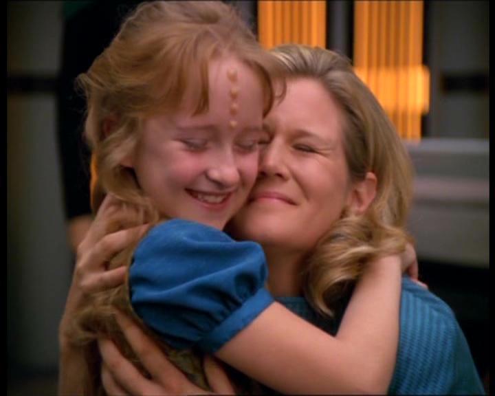Samantha and Naomi Wildman hug