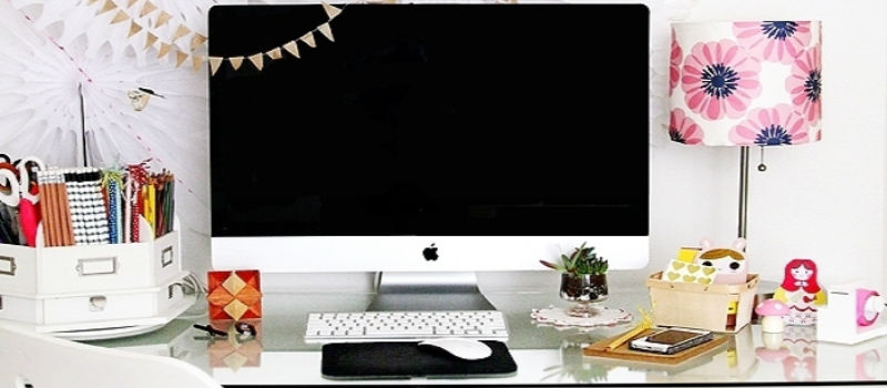 Cute and Creative Ways to Decorate Your Desk at Work