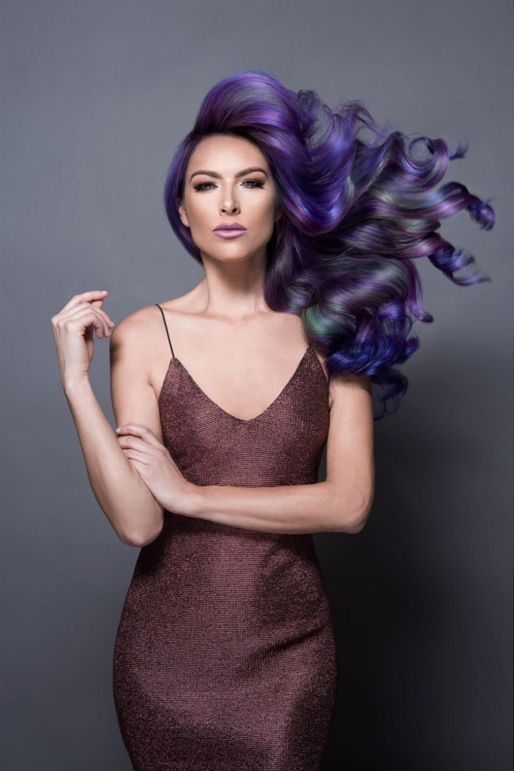 Jazz Up Your Hair With Oil Slick Effect Women Fitness