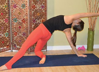 Detox & Energize With This Yoga-Inspired Workout