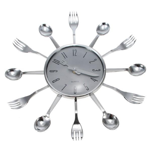 DIY spoon clock