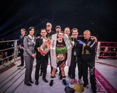 Nina Meinke Outpoints Previously Undefeated Vissia Trovato to Claim the GBU and WIBF Titles