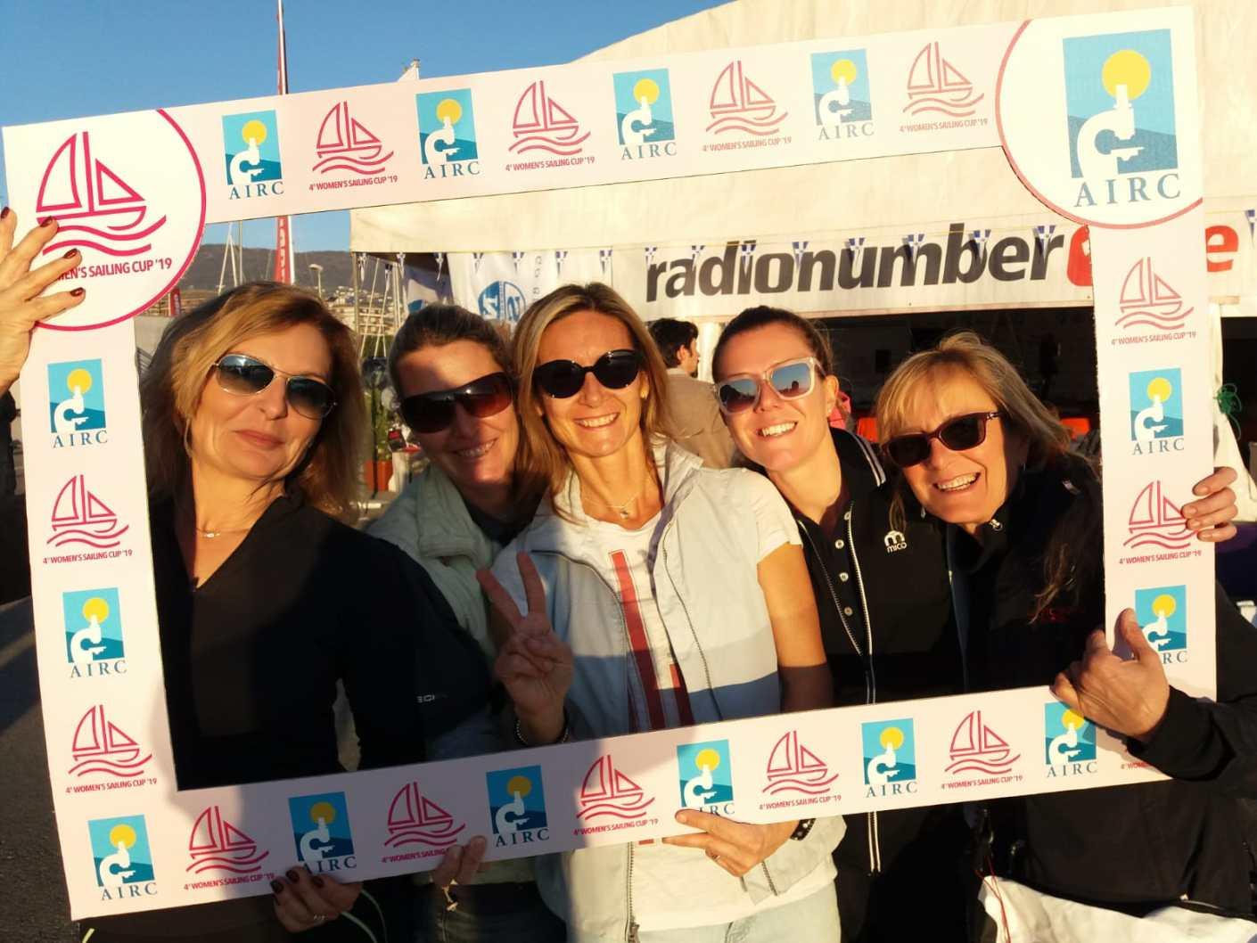 "Team Fearless:   Paola Salvatores, Anna Salvatores, Emanuela Canepa, Giulia Rovellini, Maria Grazia Torchia detta ""Maga""."