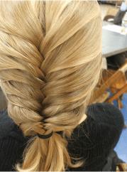 women fishbone hairstyle