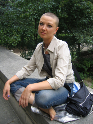 Cool Bald Hairstyle For Women