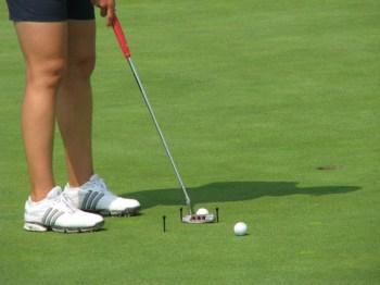 Nicole Damarjian practice golf