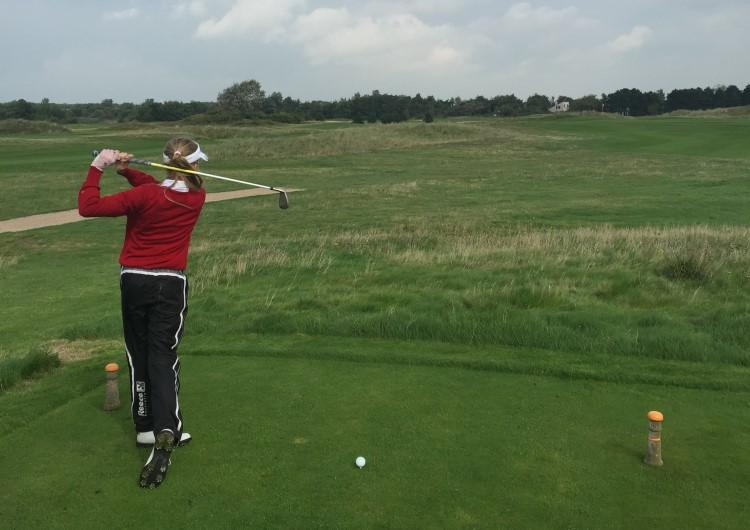 Noa Van Beek Girls Golf