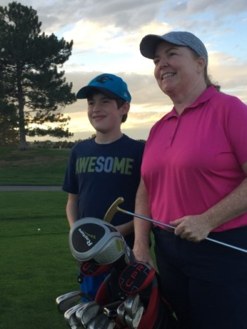 golf-caddie-womens-golf