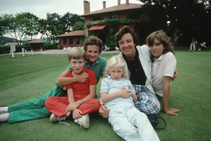 Catherine Lacoste and children